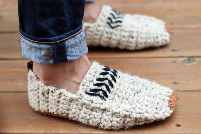 unisex-knitted-crochet-slippers-pattern