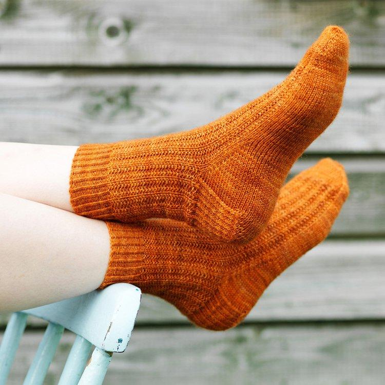 how-to-restore-circulation-beat-cold-hands-feet