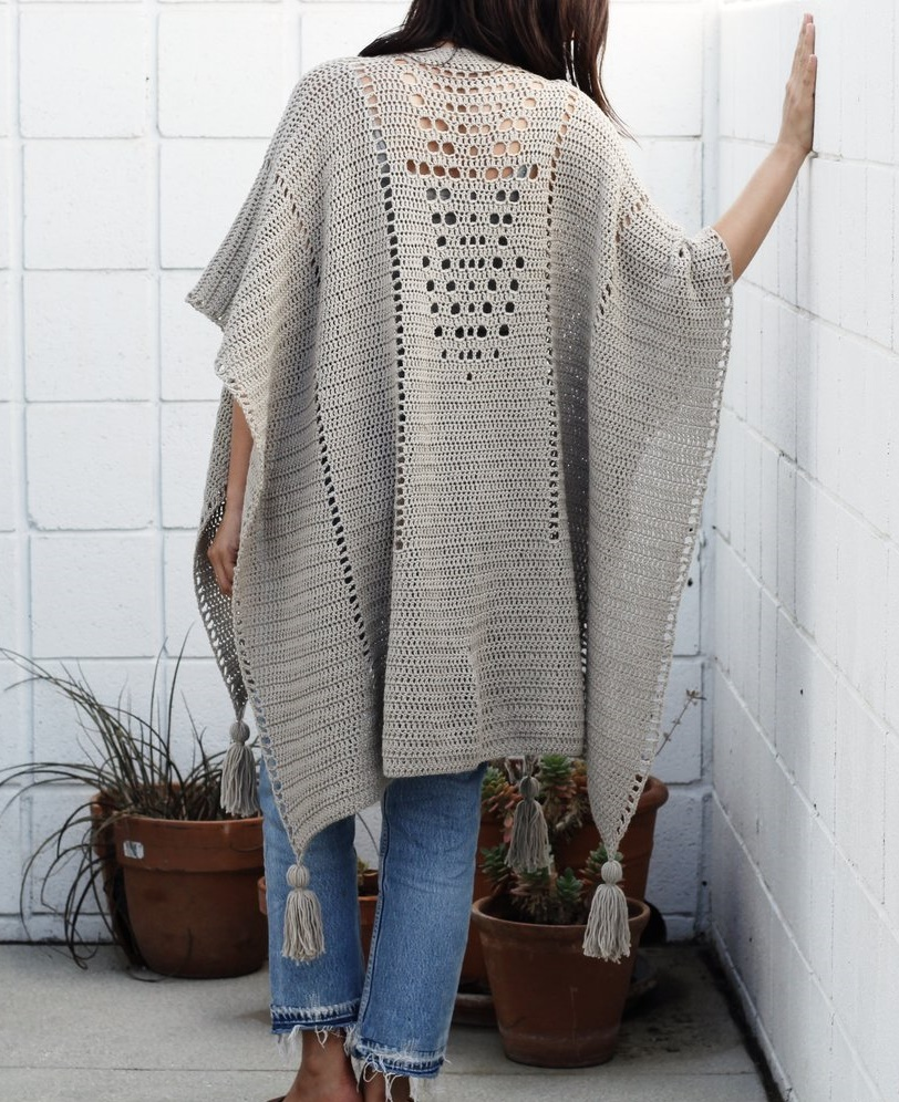 10-free-crochet-poncho-patterns-for-autumn-2021