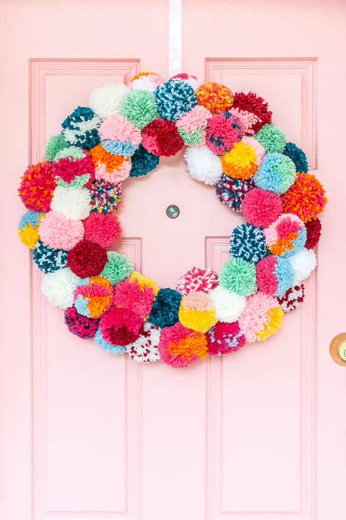 free-crochet-ornament-patterns-to-use-in-every-corner-of-your-home-for-christmas-2022